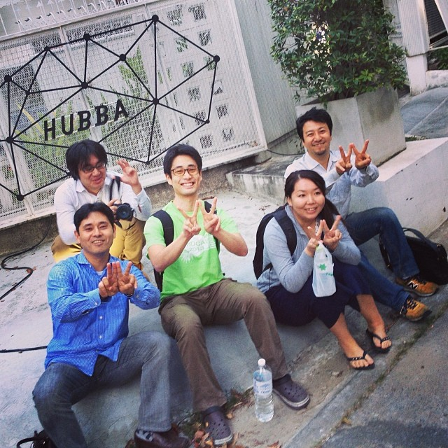 """With some of the participants. The hand sign is """"W"""" for WordPress!"""